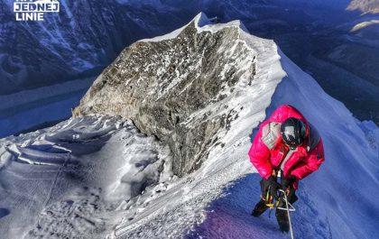 Grań szczytowa Island Peak i widok na Himalaje