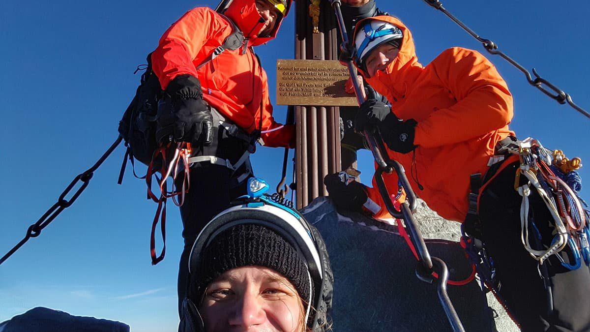 Grossglockner szczyt w Alpach, przy krzyżu Kaiserkreuz