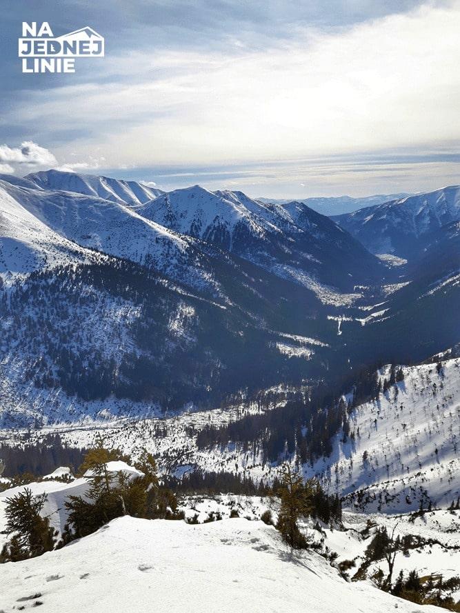 Widok na Tatry słowackie. Przejście granią od Kopy Kondrackiej w kierunku Kasprowego Wierchu