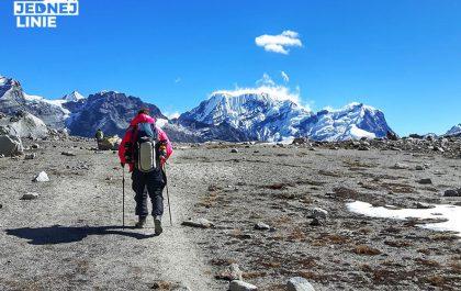 Amphu Lapcha w Himalajach piękny szlak