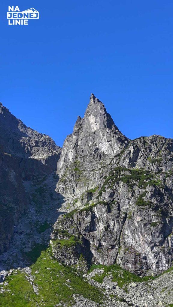 Mnich w Tatrach przy pięknej pogodzie