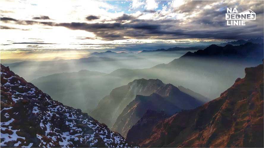 Trekking w samym sercu Himalajów – przez przełęcze, mosty i jeziora Panch Pokhari