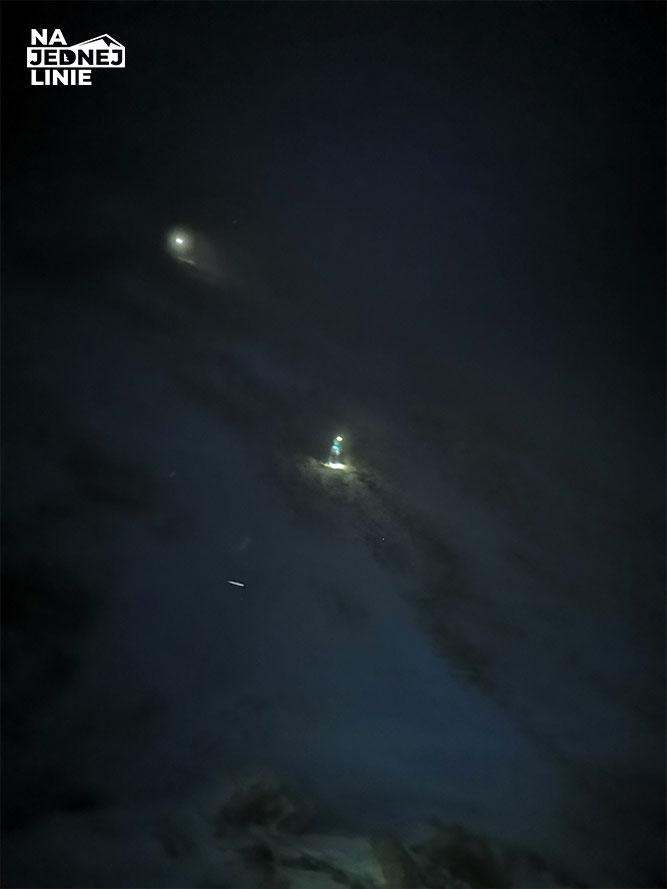 Zejście ze Świnicy nocą