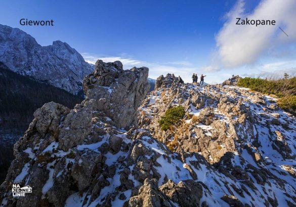 Sarnia Skała z panorama na Giewont
