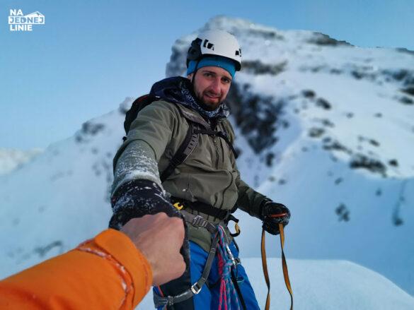 Czuba nad Karbem - szczyt. Wspinając się drogą Potoczka