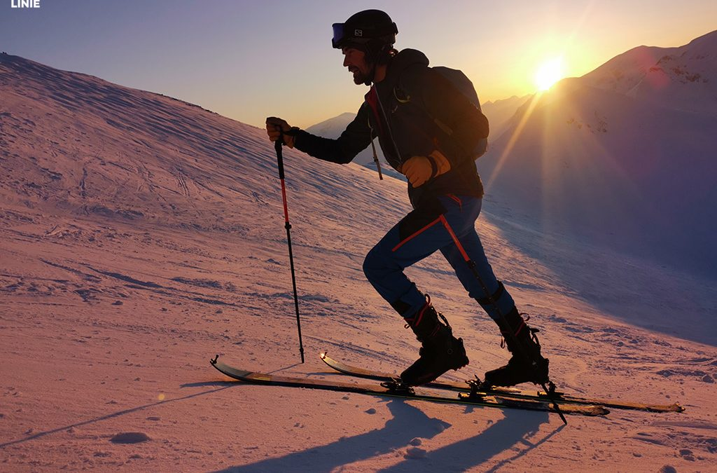 Skiturowy Wierch Kasprowy – w promieniach zachodzącego słońca