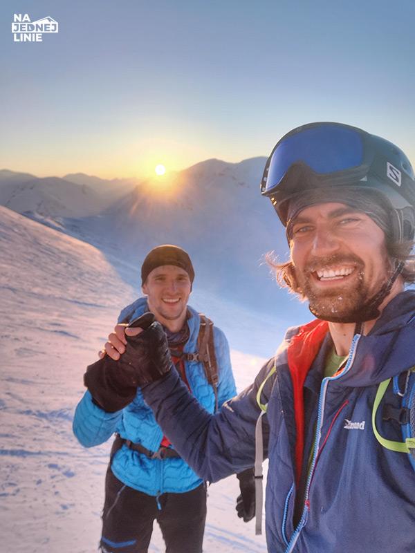 Skitury podejście Kasprowy Wierch - zachód słońca na skiturach