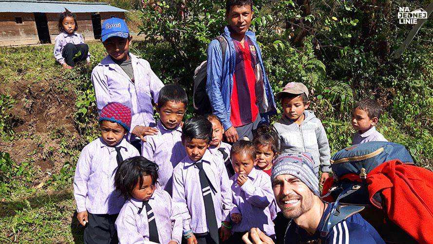 Nepal – o kulturze w sercu gór. I o ludziach, którym sprzyja tylko pogoda